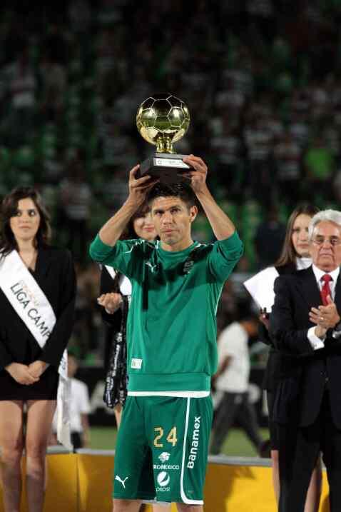 Un 'Cepillo' cada vez más gigante: Oribe Peralta hizo historia con su go...