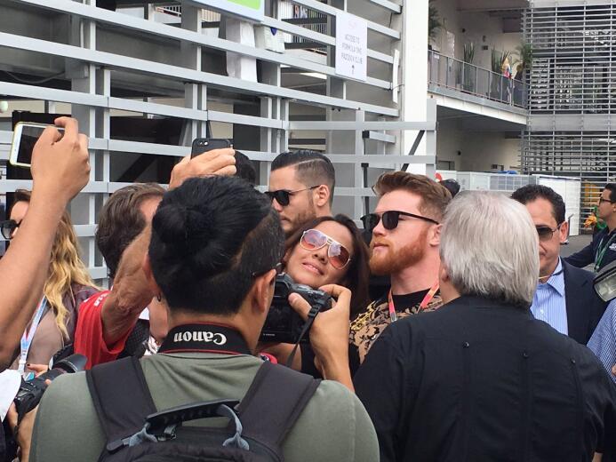 Futbolistas, expresidentes y celebridades presentes en el GP de México c...