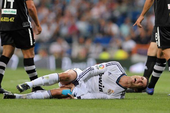 Pero no todo fueron buenas noticias, pues Cristiano sufrió un fuerte gol...
