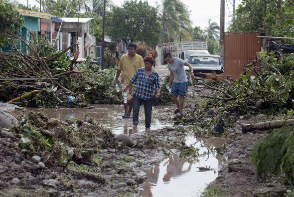 La emergencia en el sureste de México por las inundaciones, agrav...