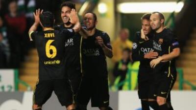 Fábregas anotó de cabeza el único gol con el que el Barcelona se impuso...