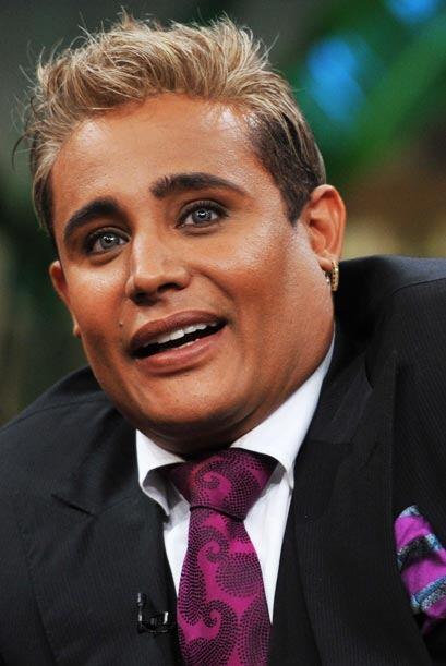 El cantautor comentó que aunque se maquille, las mujeres lo quier...