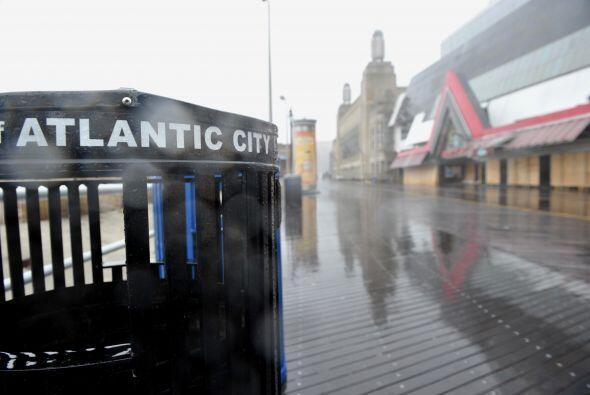 De acuerdo a los expertos, el Huracán Sandy podría afectar a más 60 mill...