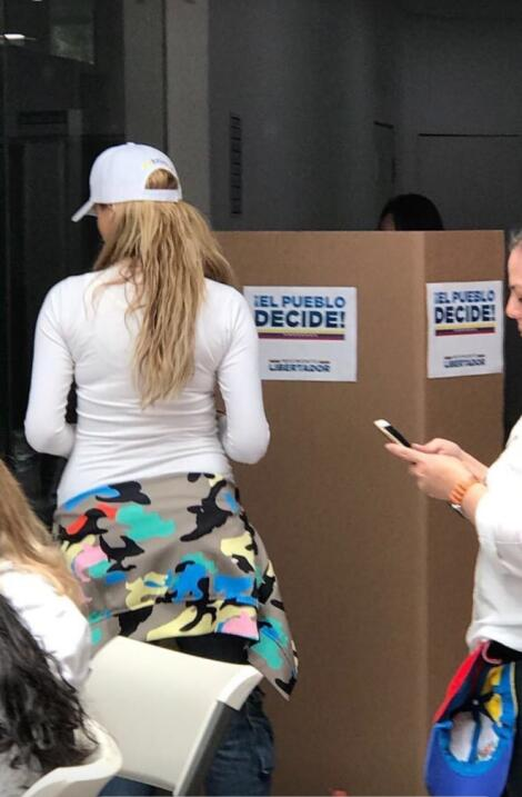 Marjorie de Souza vota para derrocar a Maduro