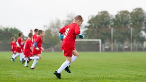 ¿Qué exámenes de salud deben hacer los padres a los hijos que practican...