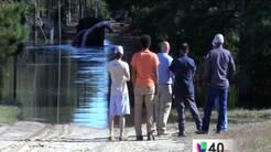 Comunidad de White Oak continúa afectada por inundaciones