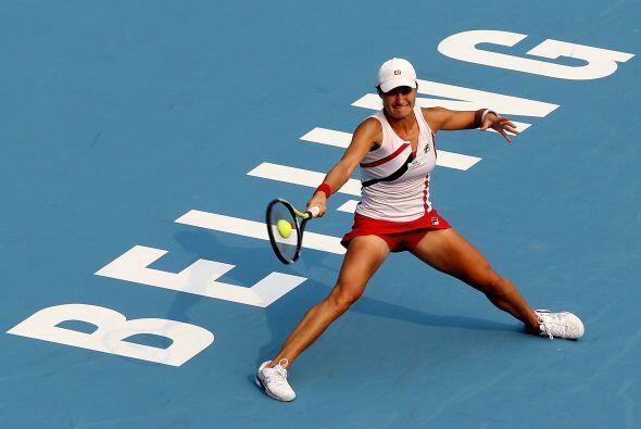 La rumana Mónica Niculescu también sorprendió y eliminó a la rusa Maria...