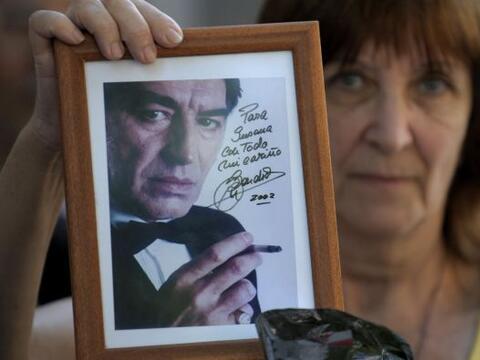 El 2010 comenzó con el adiós final del cantante argentino...