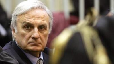 Calisto Tanzi durante un juicio de 2006. Debido a su avanzada edad, 72 a...