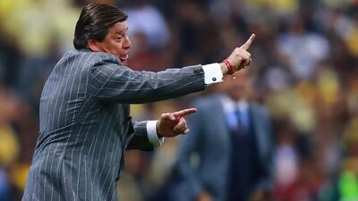 Según Néstor de la Torre, Miguel Herrera supo manejar muy bien sus fichas frente a Pumas