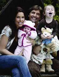 Juan, Maki, Mía y Azul: una familia feliz