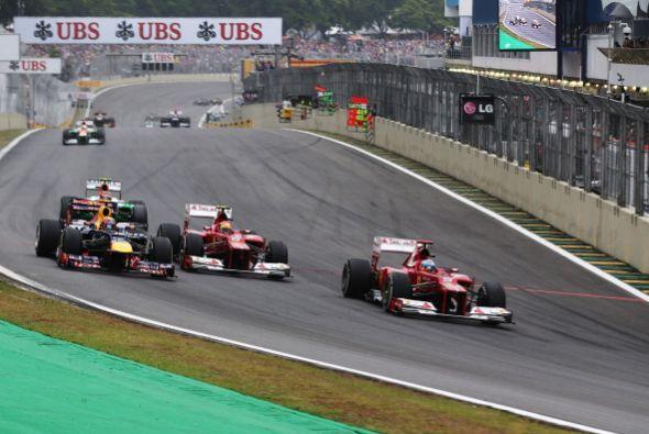 El alemán Sebastian Vettel (Red Bull) se coronó tricampeón de la Fórmula...