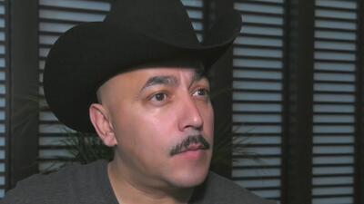 ¿Qué lleva Lupillo Rivera debajo de su sombrero?