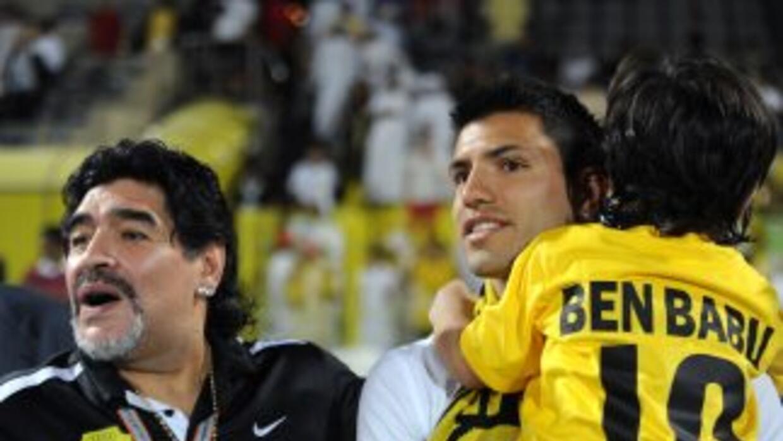 Sergio 'Kun' Agüero y Maradona en épocas felices.