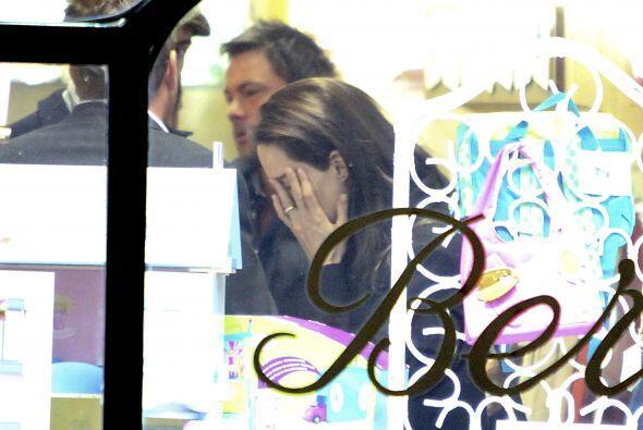 ¿Tal vez sufría Angelina por todo lo que le tocaba pagar?