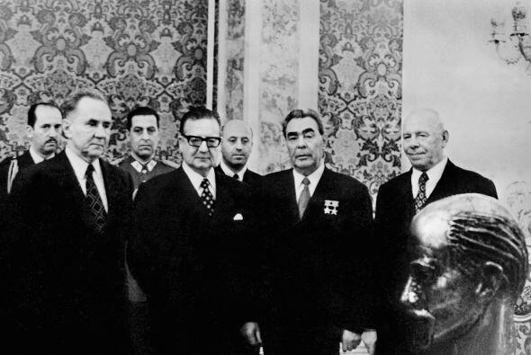 Allende asumió la presidencia el 3 de noviembre de 1970 y durante su gob...