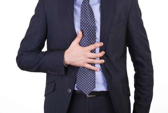 5-Es la enfermedad de los ejecutivos: Falso: Personas de cualquier edad...