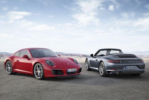 La firma de Stuttgart presentó el Porsche 911 Carrera 2017, que como pri...