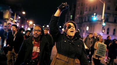 Nueva York estalla en protestas por nueva muerte por violencia policial