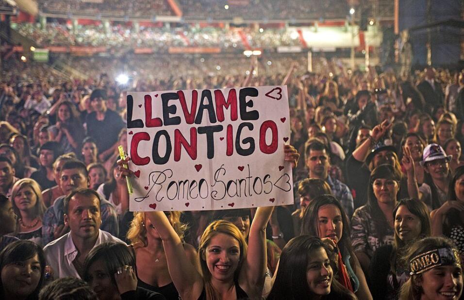 Romeo Santos estrena el video de 'Héroe Favorito' GettyImages-464817428.jpg