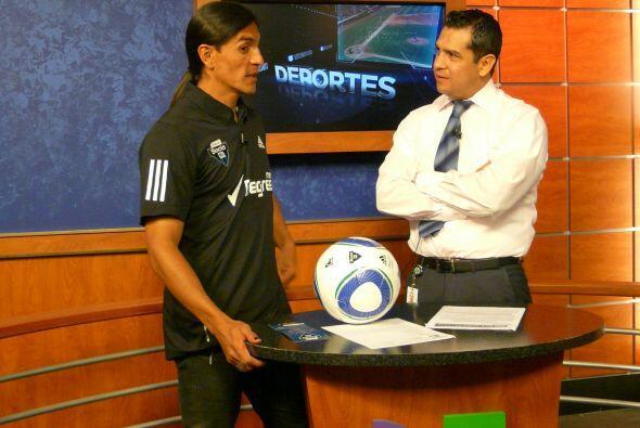 El delantero fue entrevistado por Felipe Valenzuela, director de Deporte...