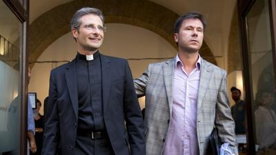 Expulsan a sacerdote gay del Vaticano