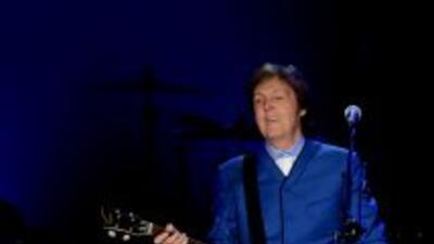El ex Beatle fue dado de alta y abandonó Japón este lunes en un vuelo ch...