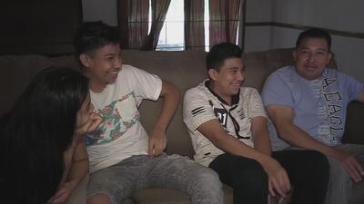 Después de 15 días de angustia, tres menores se reúnen de nuevo con su padre que había sido arrestado por ICE
