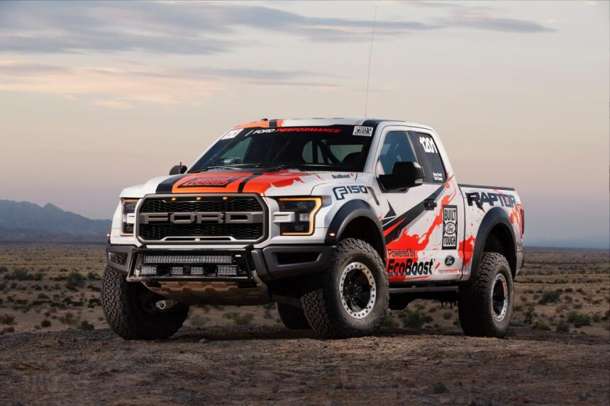 "Ford F-150 Raptor 2017 llega a ""Best in the Desert"" Hero-07-C1.jpg"