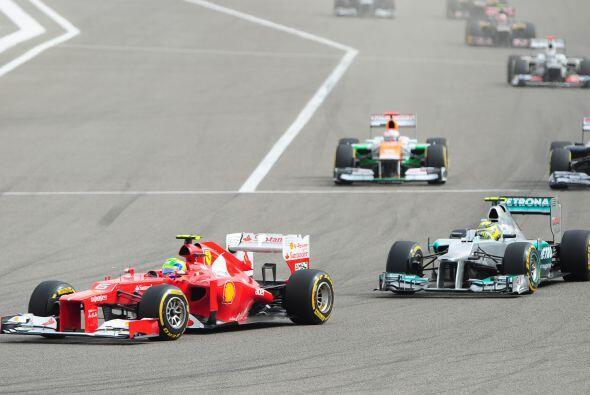 Aunque por un momento sobresalió el brasileño Felipe Massa (Ferrari) tuv...