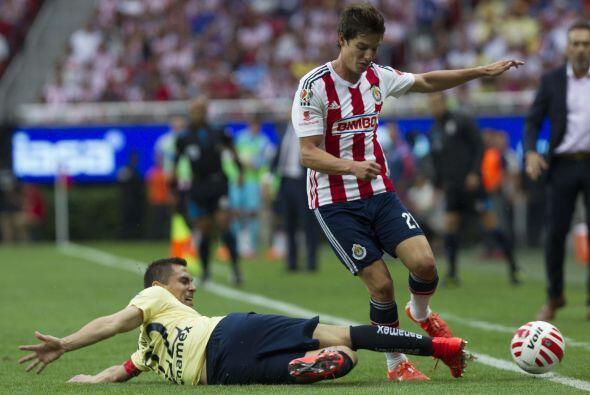 21.- Carlos Fierro: Intentó generar peligros por las dos bandas pero sus...