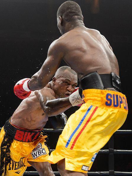 Stevenson dominó el choque desde el primer campanazo.