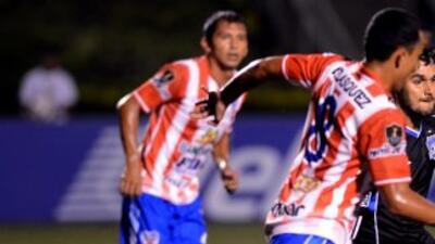 Con goles del guatemalteco Enrique Miranda a los 83 minutos y el brasile...