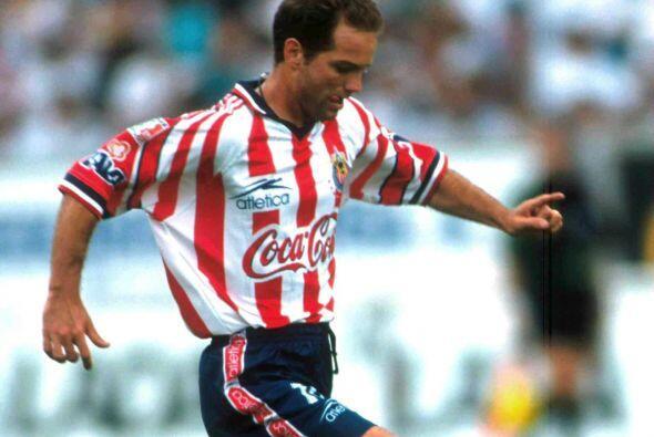 En el ocaso de su carrera decidió probar suerte con las Chivas co...