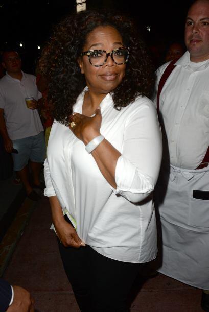 ¡Fue un accidente!, cuando el chofer de Oprah pasó por el pie de una fan...