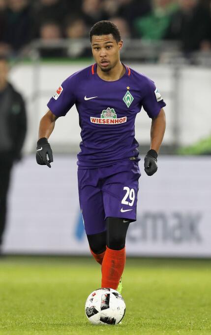 Serge Gnabry, quien jugó para Werder Bremen a préstamo desde el Bayern,...
