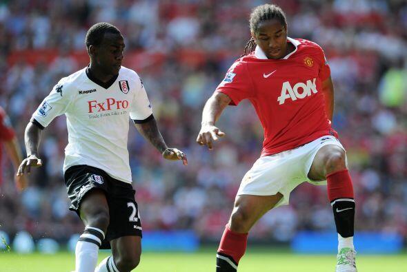 Manchester United venció al Fulham por 2 a 0 y se mantiene como el único...