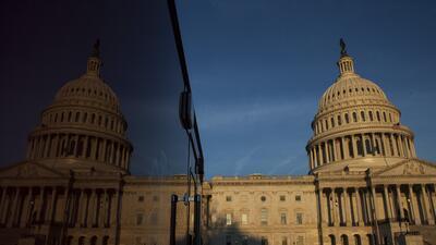 El gobierno federal estuvo técnicamente cerrado poco más de 8 horas, aun...