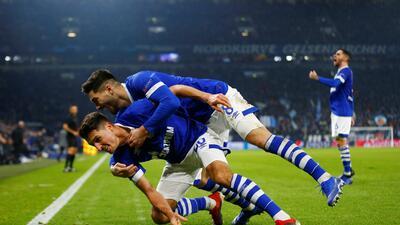 En fotos: Schalke 04 derrotó a Lokomotiv Moscú en un partido que pocos recordarán
