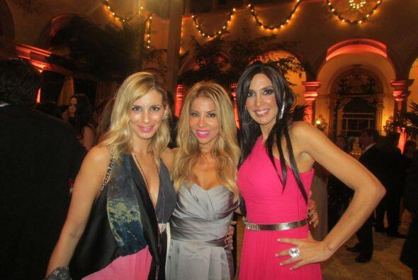 Nuestra querida Roxana Garcia acompaño a una de sus grandes amigas al al...