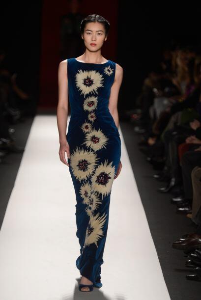 El delicado estampado logró ser el protagonista de este entallado vestid...