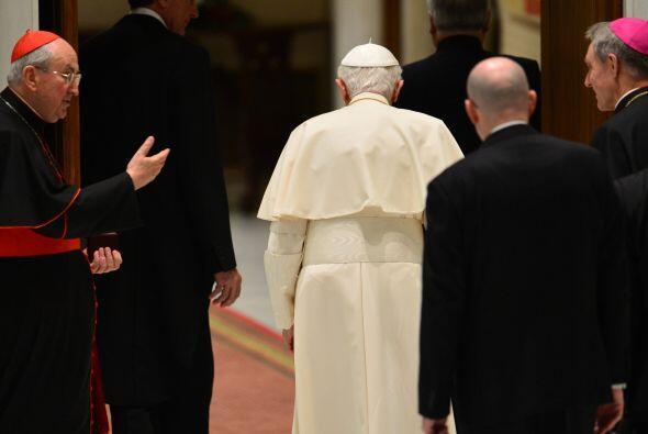 El Papa Benedicto XVI ha anunciado que dimitirá del cargo. La decisión d...