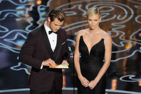 """Los actores Chris Hemsworth y Charlize Theron en la celebración de los """"..."""