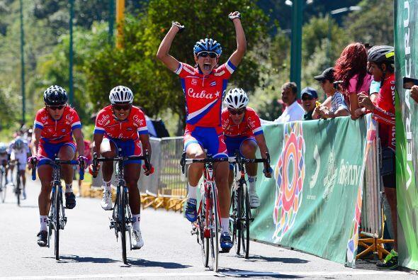 Cuba dominó el ciclismo de ruta con las isleñas Marlies Mejía, Yumari Go...