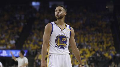 ¿Qué tan grave es? Stephen Curry se lesiona y no jugará ante Brooklyn Nets