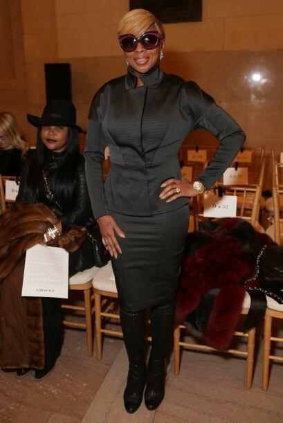 Mary J Blige no dejó de posar para todas las cámaras que se le pusieron...
