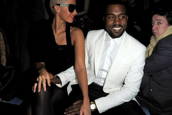 No cabe duda, este es otro escándalo más para Kanye, quien presume por t...