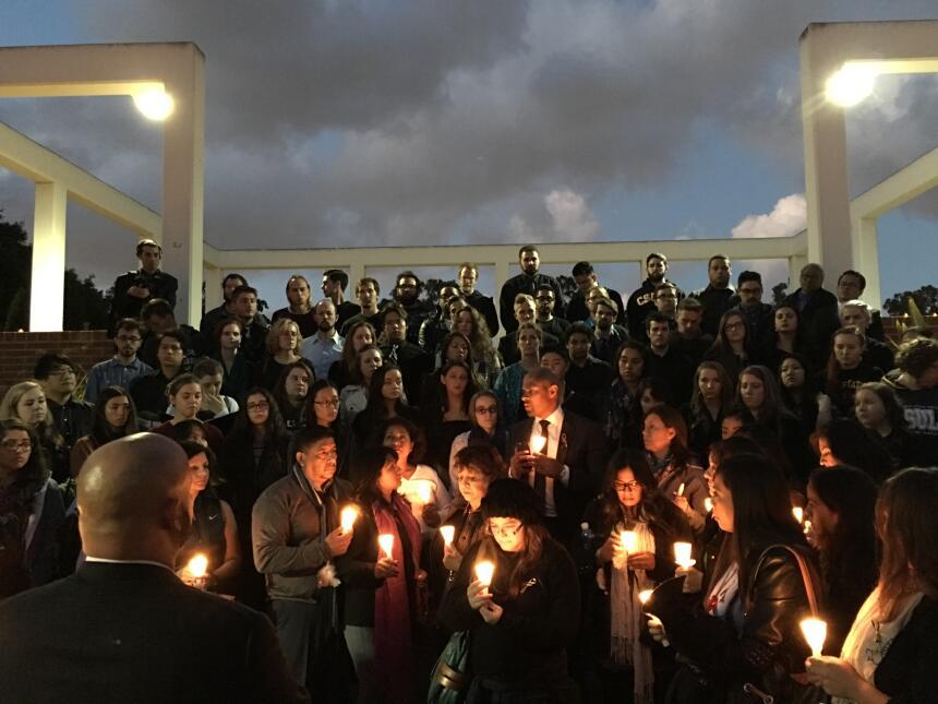 Cientos de personas recordaron a la joven fallecida en los ataques en París