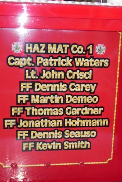Carro bombero recuerda a sus caídos el 9/11 e7848c6f4d01493fa22a8396162c...