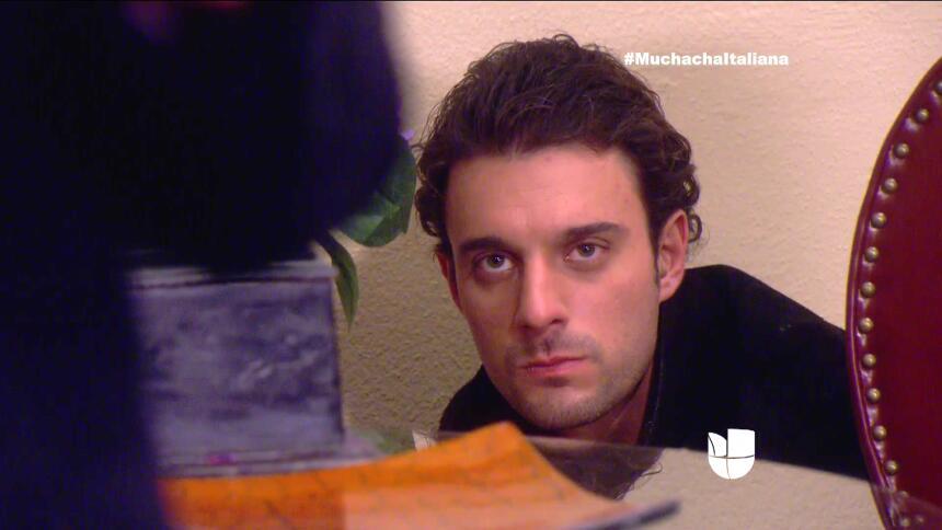 ¡Pedro se quedó suspirando por Fiorella! 77EB4C9B71E3489D81E18D4FDD2636A...